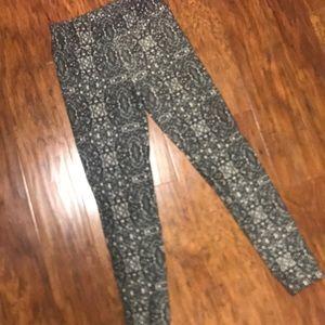 LuLaRoe patterned legging